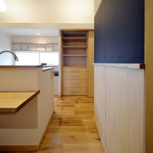 丸太梁の家(リフォーム)キッチン