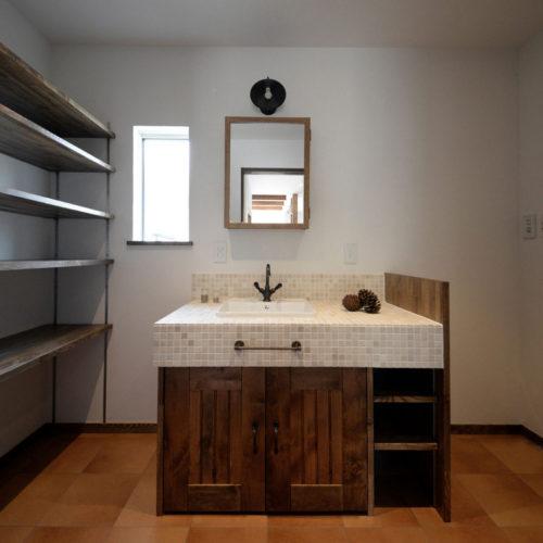 cafe kitchen のあるフレンチハウス サニタリー