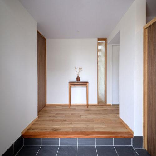 かしの木の家 玄関
