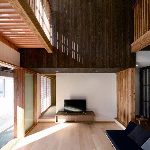 杉と漆喰のパッシブデザインハウス リビング
