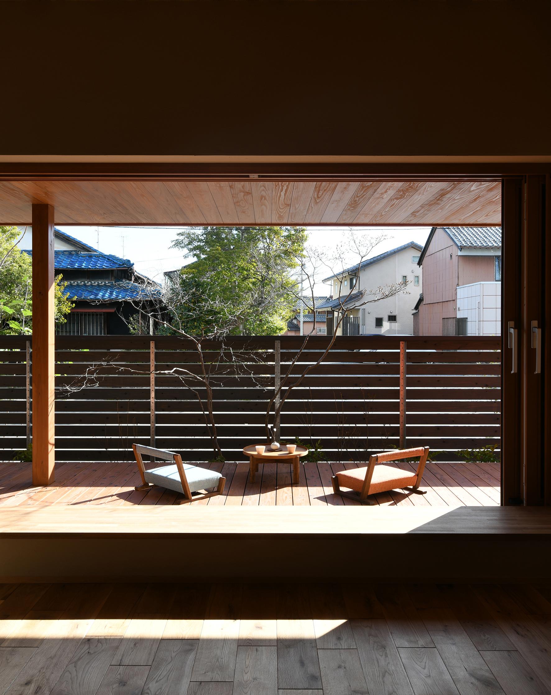 フルオープン木製サッシがつなぐ内外空間