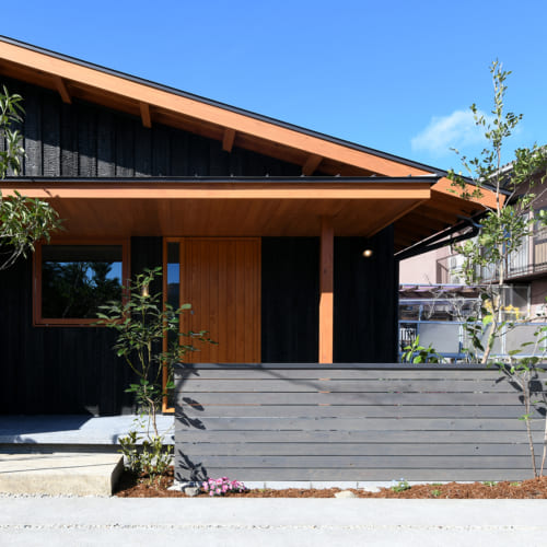 木製玄関ドア外観