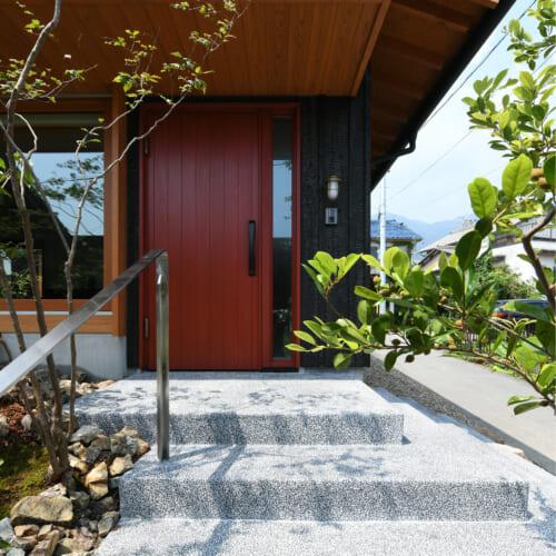 焼杉 外観 木の家 アプローチ