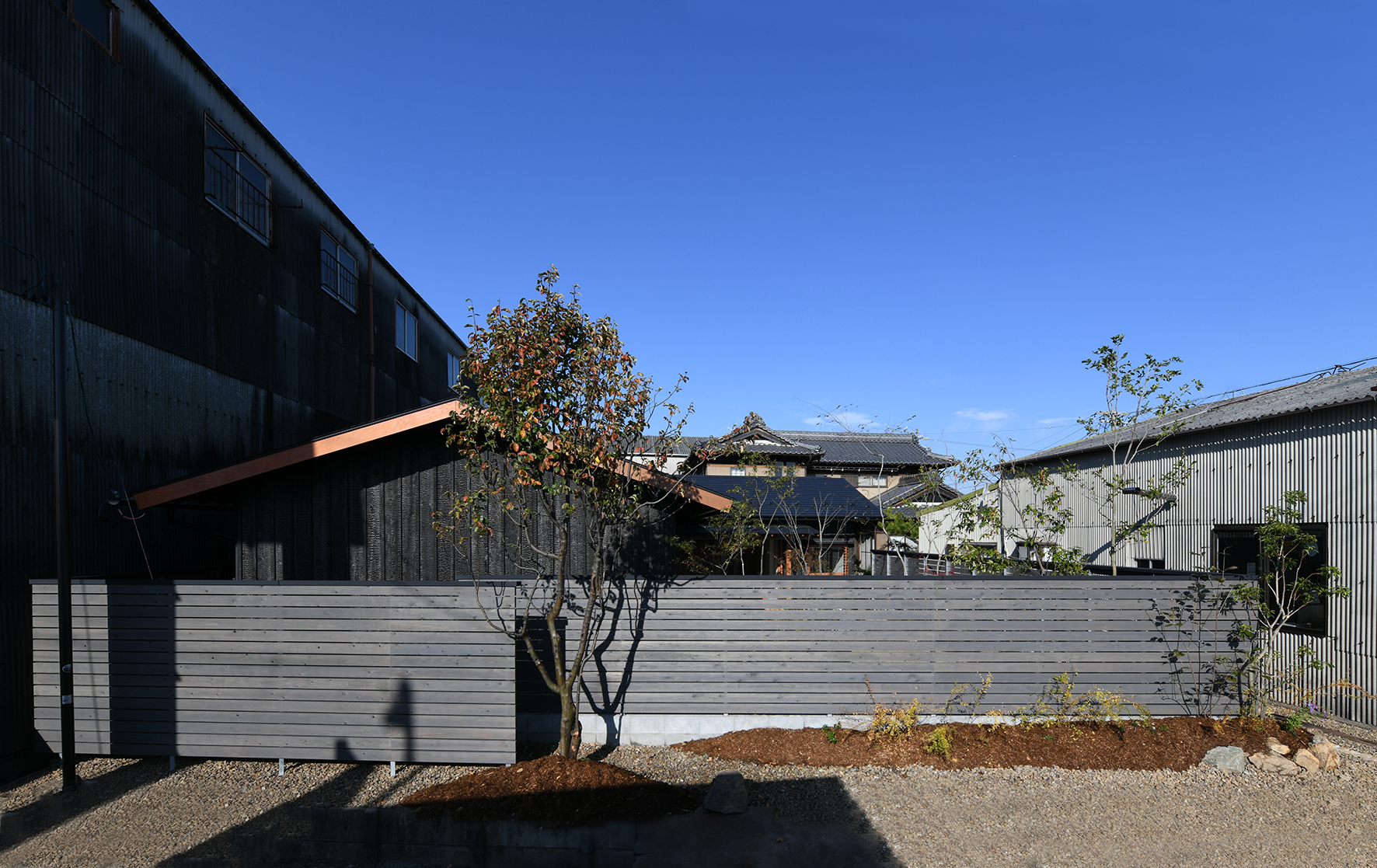 木の家 焼杉 木製窓 外観