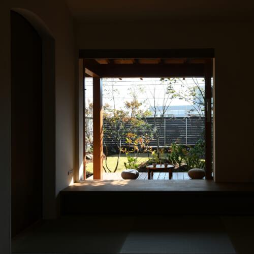 木製窓 庭