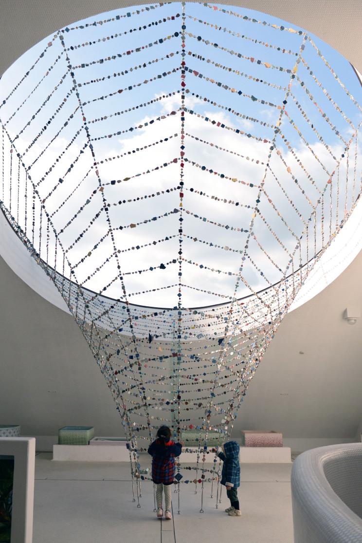 大きな「土の壁」のミュージアム
