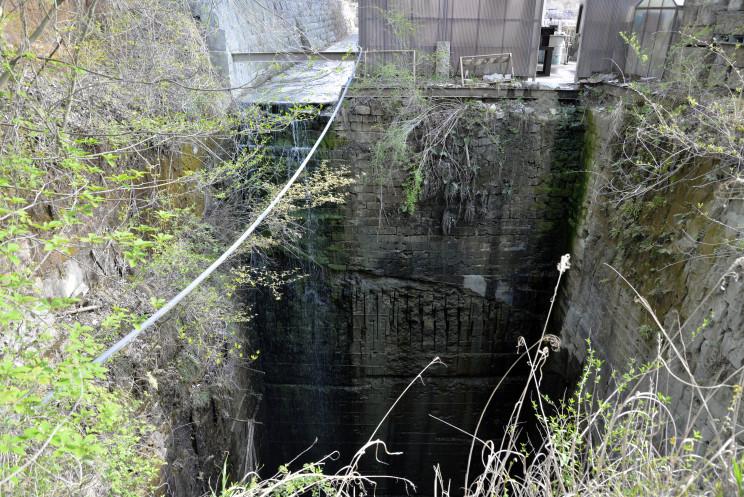 3 大谷石採掘場 山南石材001